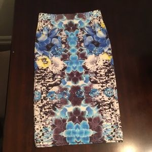 TopShop skirt size 4 25' long